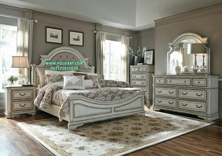 Set Tempat Tidur Elegan Minimalis