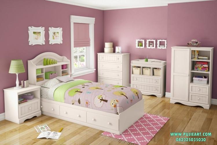 Tempat Tidur Anak Perempuan Berlaci