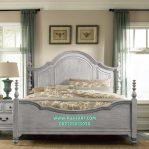 Tempat Tidur Classic Minimalis