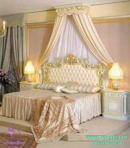 Tempat Tidur Klasik Gold
